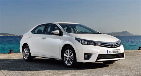 Toyota Corolla White Pictures