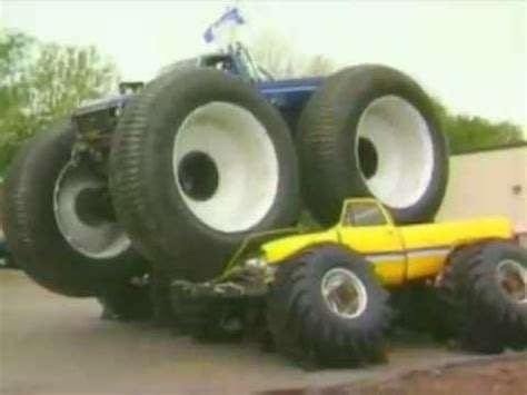 bigfoot monster truck videos youtube bigfoot 5 crushing monster trucks youtube