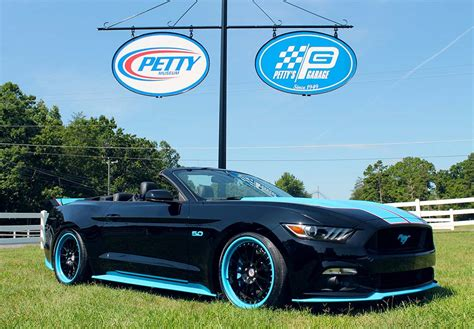 Ford Gets Petty With 727-hp Mustang Gt