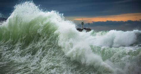 sleep disturbances  veterans  hurricane threatening