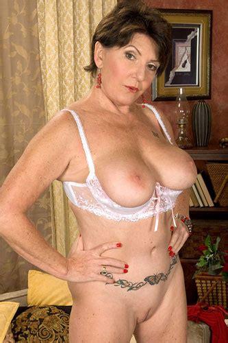 Mature Porn Star Bea Cummins