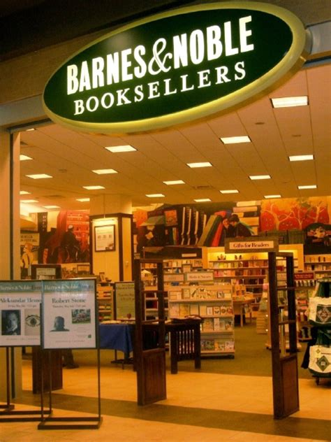 barnes and noble sell books how many barnes and nobles stores are there in the united