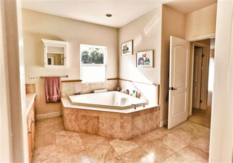 paint colors for bathroom with beige tile 25 exceptional paint colors for bathrooms creativefan