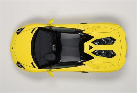 autoart lamborghini aventador lp700 4 roadster giallo orion yellow 74699 in 1 18 scale autoart lamborghini aventador lp700 4 roadster giallo orion yellow 74699 in 1 18 scale