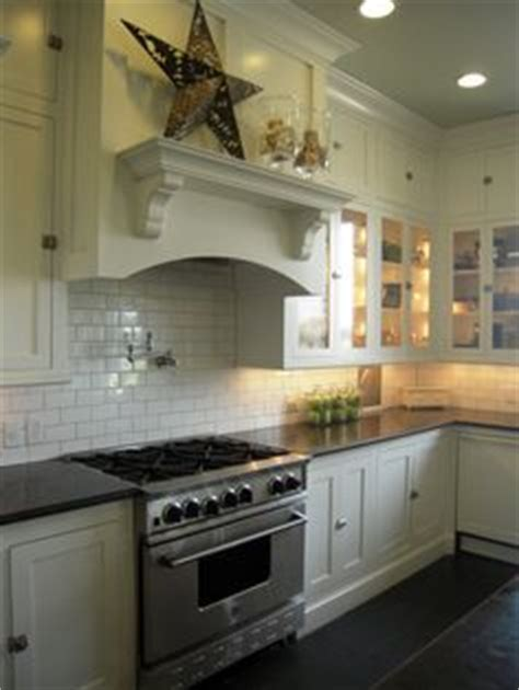 kitchen cabinets and countertops 1000 images about range hoods on range hoods 5895