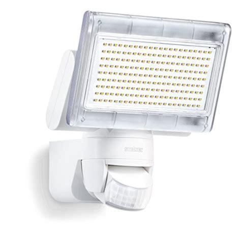 LED Strahler Test   Hier die Top 5 heller & sparsamer