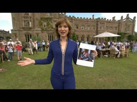 Fiona Bruce in a Tight Catsuit - YouTube