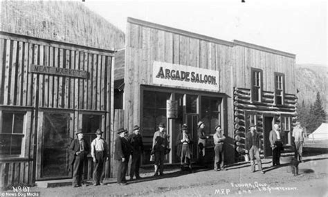 Wild West saloons revealed in 19th century photos | Daily ...