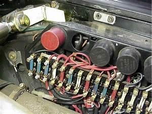 Fusebox On A Porsche 911 Sc