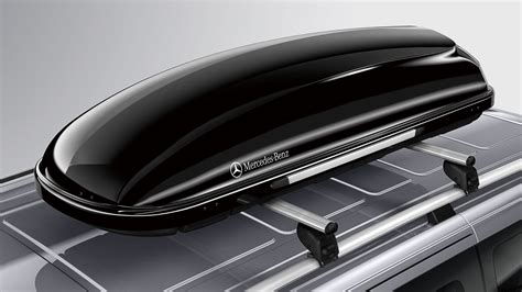 It's not bad to look at, but yeah…we'd still rather have the boxless look. Genuine Mercedes-Benz accessory: roof box