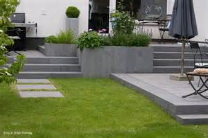 terrasse mit treppe terrasse holz mit naturstein bvrao