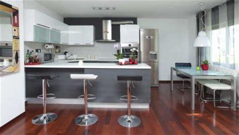 cocina blanca  gris hogarmania