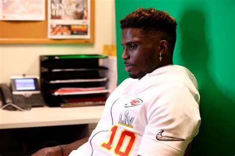 Tyreek Hill, Patrick Mahomes look to connect the dots in ...