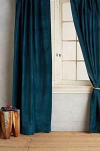 Rideaux Velours Bleu : inspiration velours and anthropologie on pinterest ~ Teatrodelosmanantiales.com Idées de Décoration