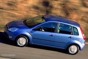 Ford Fiesta 4 : ford fiesta 5 doors 2002 2003 2004 2005 autoevolution ~ Medecine-chirurgie-esthetiques.com Avis de Voitures