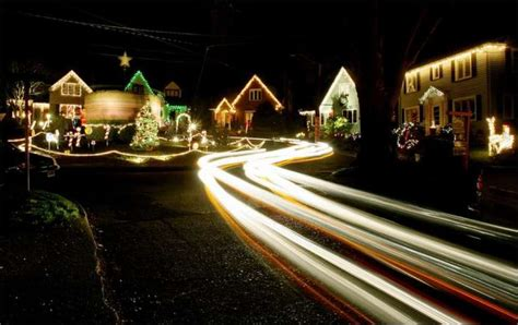 grinch steals a grinch from ravenna s candy cane lane seattlepi com