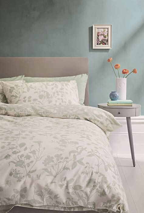 places  buy affordable bedroom furniture