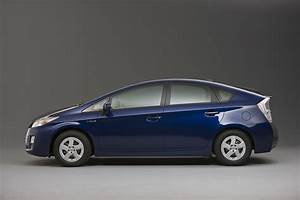 Toyota Prius Versions : toyota prius to feature battery powered air conditioning pre collision autoevolution ~ Medecine-chirurgie-esthetiques.com Avis de Voitures