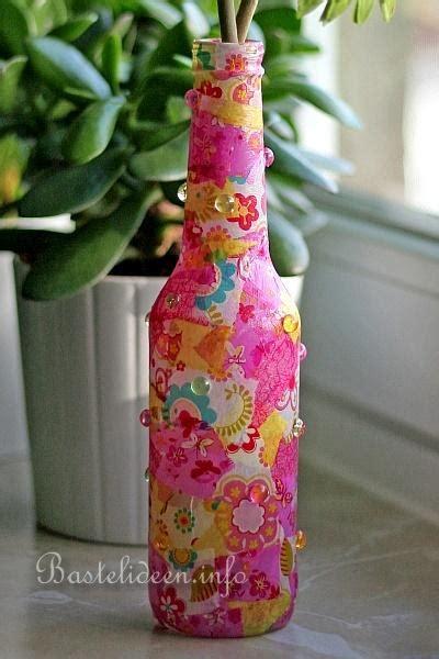 Papier Vasen Basteln Mit Liebe Bestickt by Fr 252 Hlingsbasteln Recyling Decopatch Glasflasche Als Vase
