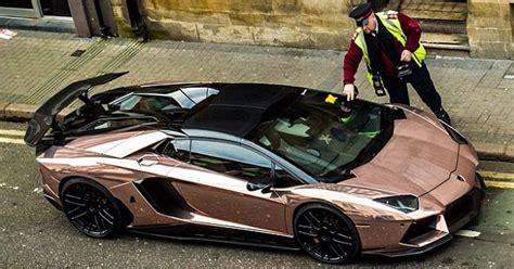 Con el tiempo todos estos números se han ido. Dueño del Lamborghini: Es más barato pagar multas por aparcar en línea amarilla que arriesgarse ...