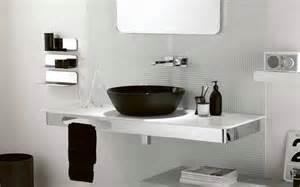 black and white small bathroom ideas banheiro com pastilhas de vidro 008 casinha bonita
