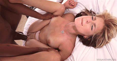 Grey Haired Tiny Justine Likes Double Penetration