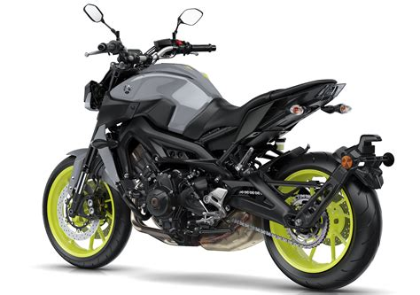 2017 yamaha mt 09 updated for the new year now with led lights quickshifter and upgraded
