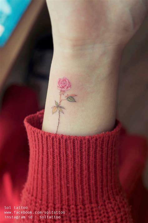 filigrane tattoos handgelenk soltattoo klonblog14 tattos ideen blumen tattoos y vorlagen