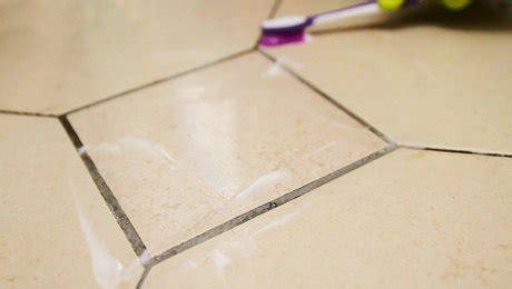 nettoyer les joints de carrelage dans la cuisine minutefacile
