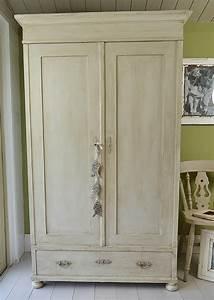 peindre armoire bois en blanc palzoncom With peindre une armoire ancienne