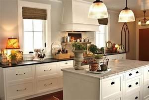 Granitplatten Küche Farben : 81 moderne farbideen f r k che wandgestaltung ~ Michelbontemps.com Haus und Dekorationen