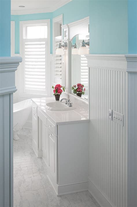 bathrooms with beadboard cottage with colorful interiors home bunch Cottage