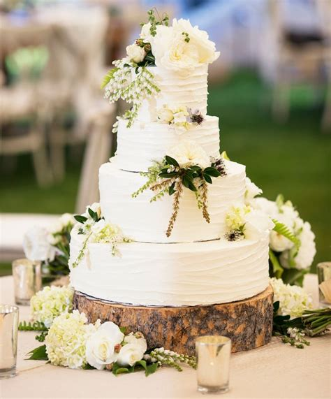 20 Ways To Decorate Your Wedding Cake With Fresh Flowers