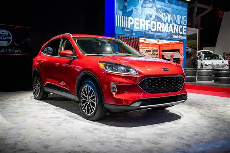 2020 Ford Escape by 2020 Ford Escape Crossover Revealed Turbo Or Hybrid Power