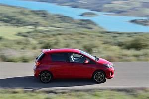 Essai Toyota Yaris Hybride 2018 : essai toyota yaris 100h hybride 2014 une mise jour salutaire photo 25 l 39 argus ~ Medecine-chirurgie-esthetiques.com Avis de Voitures