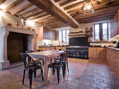 cuisine style fermette renovation cuisine ancienne la cornue vintage antiquity