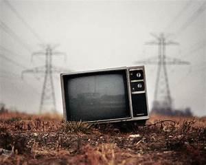 Amazing Old TV Photography Art Wallpaper