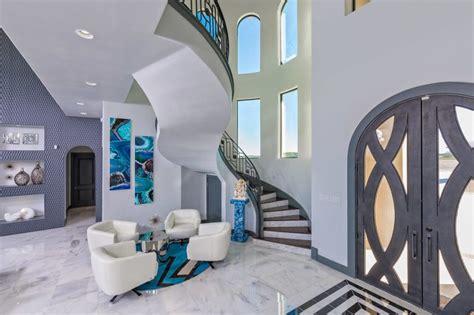 Bescheiden Wohnzimmereinrichtung Warm Moderne Haus Einrichtung Wohn Design