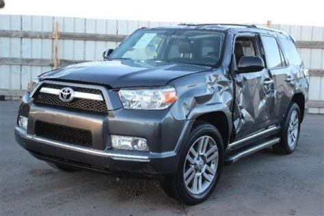 sell   toyota runner limited wd damaged salvage