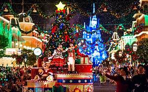 Let's travel the world!: 10 Most Beautiful Christmas Trees