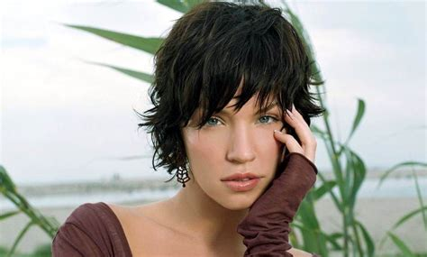 23 Cute Short Hairstyles With Bangs