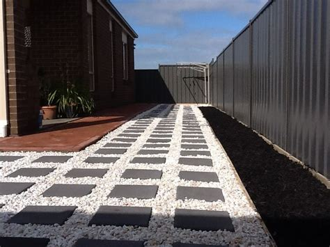 charcoal pavers  white ice pebbles   exseed