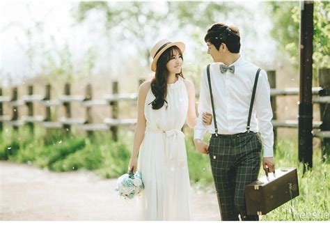Maybe you would like to learn more about one of these? 30 Ide Konsep Prewedding Ala Korea Casual Indoor Dan