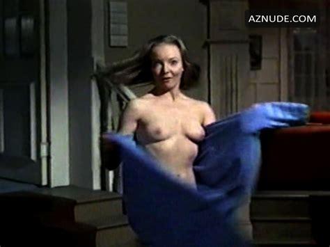 Valerie Chow  nackt