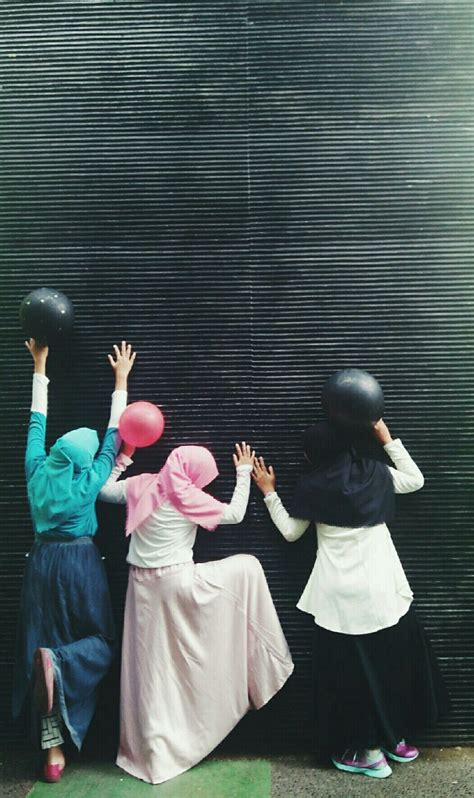 hijab muslimah tumblr happiness ballon daily gambar kartun