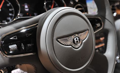 bentley steering wheel car and driver