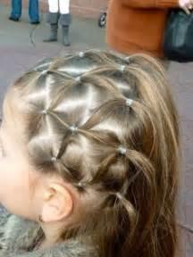 coiffure mariage fillette photos 20 coiffures pour fille qui vous en mettront plein la vue magicmaman