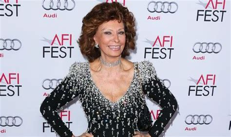 Sophia Loren continues to defy her age as Hollywood honour