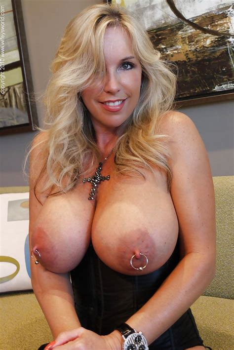 Blonde Mature Lady Wifey Showing Her Tits With Pierced Nipples Pornpics Com