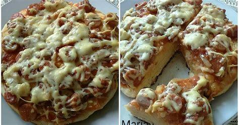 Sekarang ini pizza sudah menjadi cemilan favorit hampir bagi seluruh kalangan masyarakat, terutama bagi anak. Resep Pizza Teflon simple dan empuk 🍕 oleh magdalena23 - Cookpad